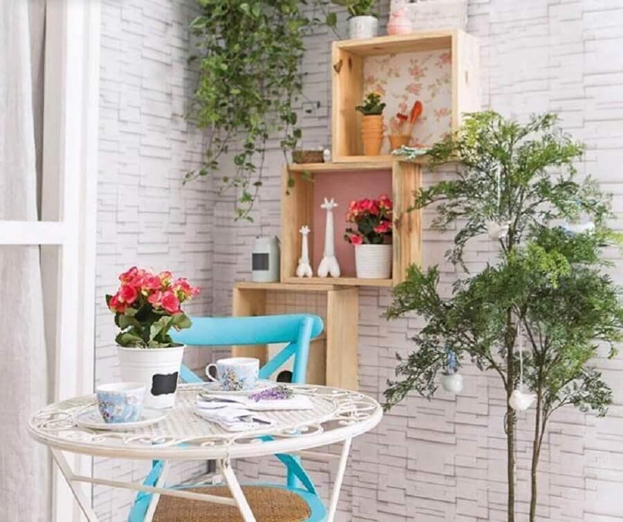 dicas de decoração barata com nichos de madeira Foto Quadros e Fatos