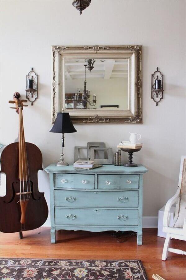 dicas de decoração com móveis antigos e instrumento musical Foto Creative Juices Decor