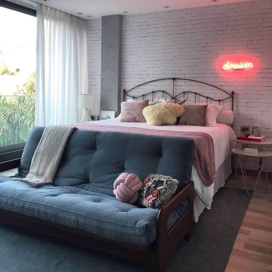 dicas de decoração de quarto com luminária neon Foto Pinterest
