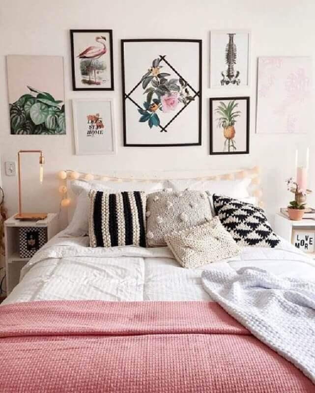dicas de decoração de quarto feminino com quadros na cabeceira Foto We Heart It