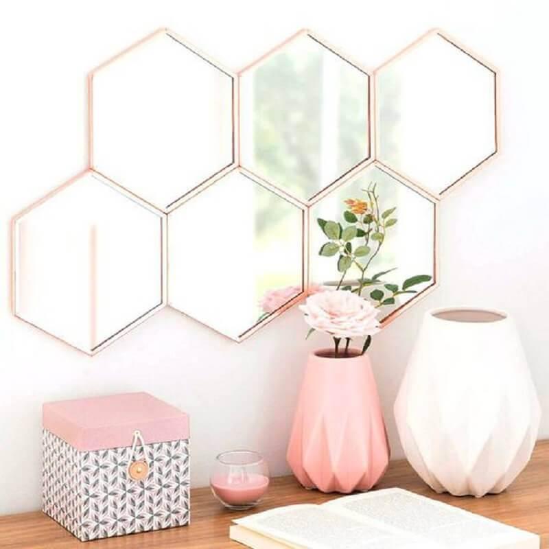 dicas de decoração para casa com objetos cor de rosa Foto AranyaWiwake