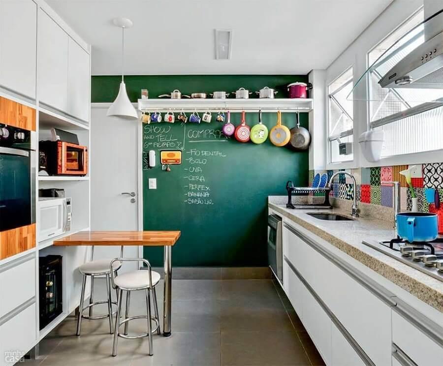 dicas de decoração para cozinha simples com parede de tinta lousa Foto Neu dekoration stile