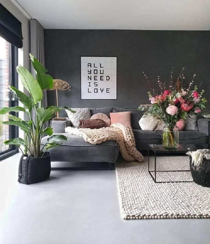 dicas de decoração para sala moderna com grandes vasos de plantas Foto Pinosy