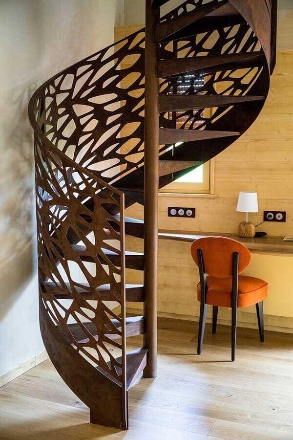 escada caracol feita em aço corten  Foto Mauricio Gebara Arquitetura