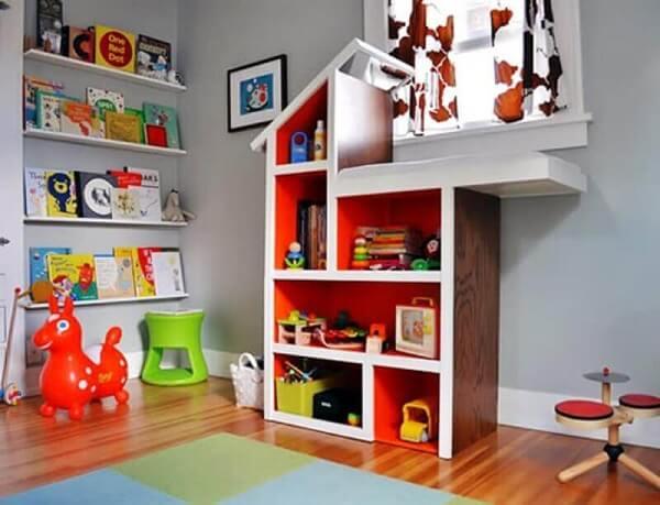 Estante para quarto infantil com formato criativo