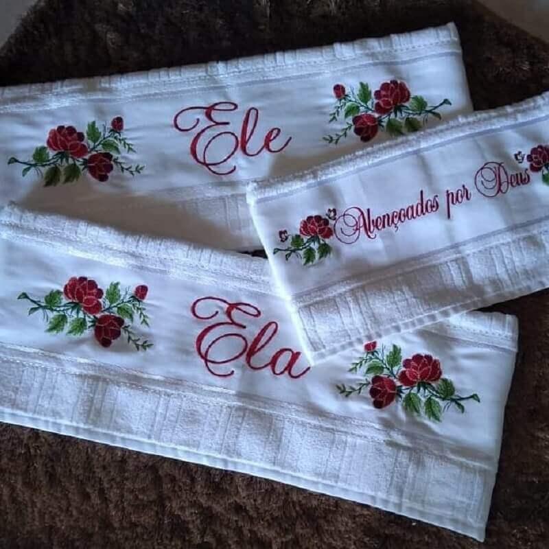 jogo de toalhas bordadas para presente de casamento Foto Shirley Modas Anicuns