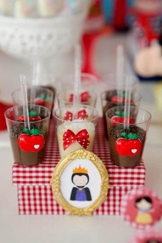 potinhos de doces personalizados para festa da branca de neve Foto Pinosy