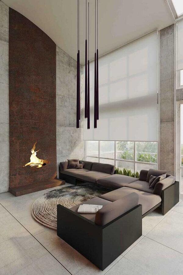 revestimento aço corten para sala de estar sofisticada com lareira  Foto Design Father
