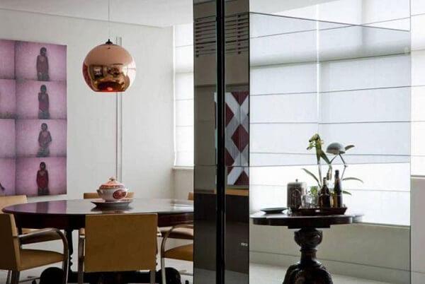 pendente cor de bronze é tendência na decoração de sala de jantar