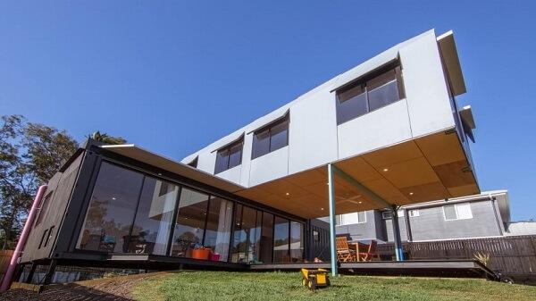 Casa container com estrutura diferenciada