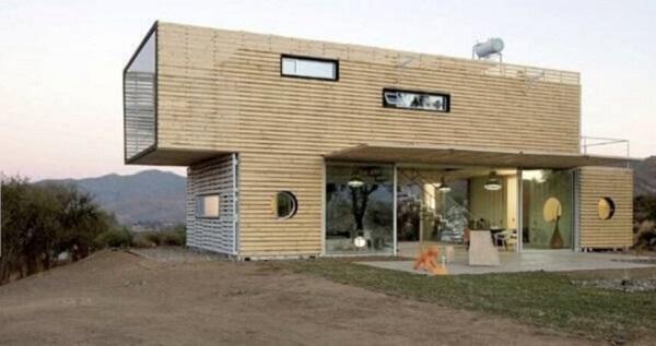 Casa-container-com-revestimento-de-madeira