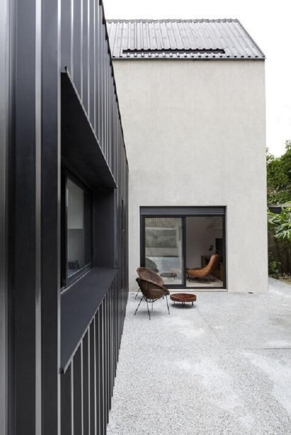 Casa-container-preta-Projeto-de-Felipe-Hess2