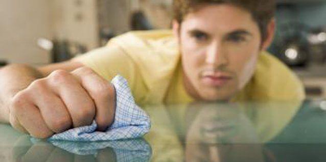 Como limpar vidros de mesa no dia a dia