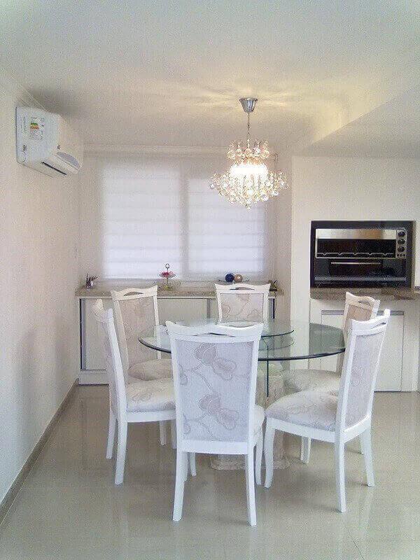 os lustres para sala também podem decorar outros ambientes como a cozinha