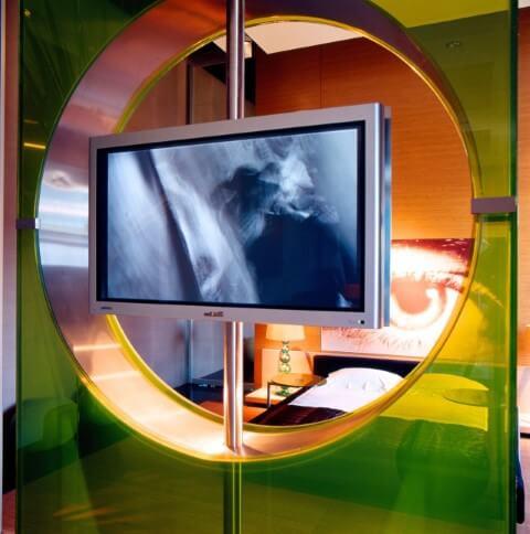 Painel para sala giratório verde Projeto de Brunete Fraccaroli