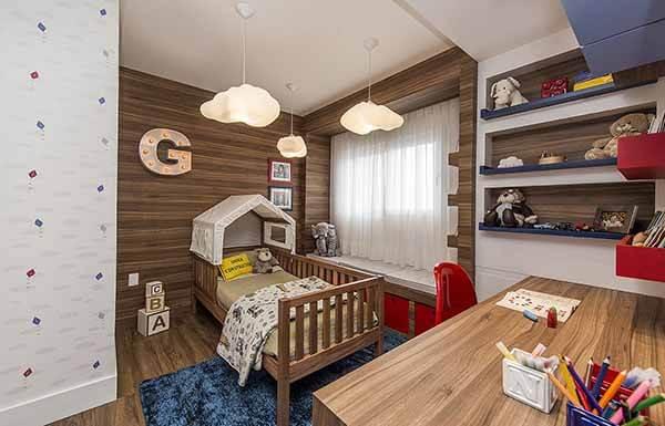 Quarto infantil planejado cama em formato de casinha