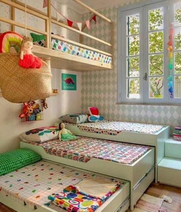 Quarto infantil planejado com várias camas