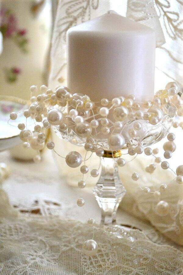 arranjo com pérolas e vela para decoração bodas de pérola  Foto Wedding Decorations Referance