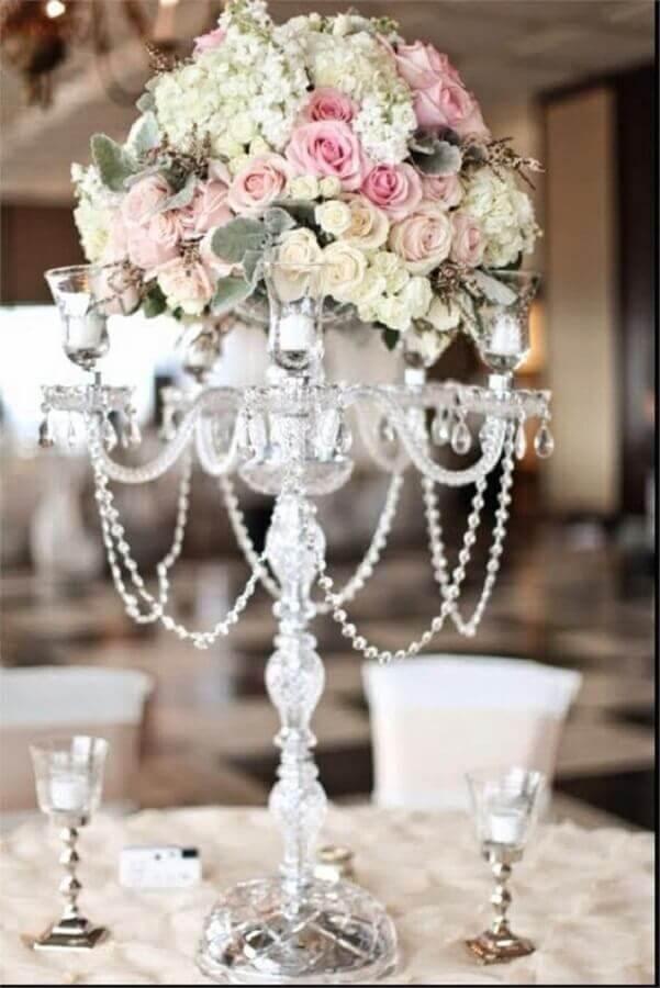 arranjo de flores para decoração bodas de pérola  Foto Wedding Ideas