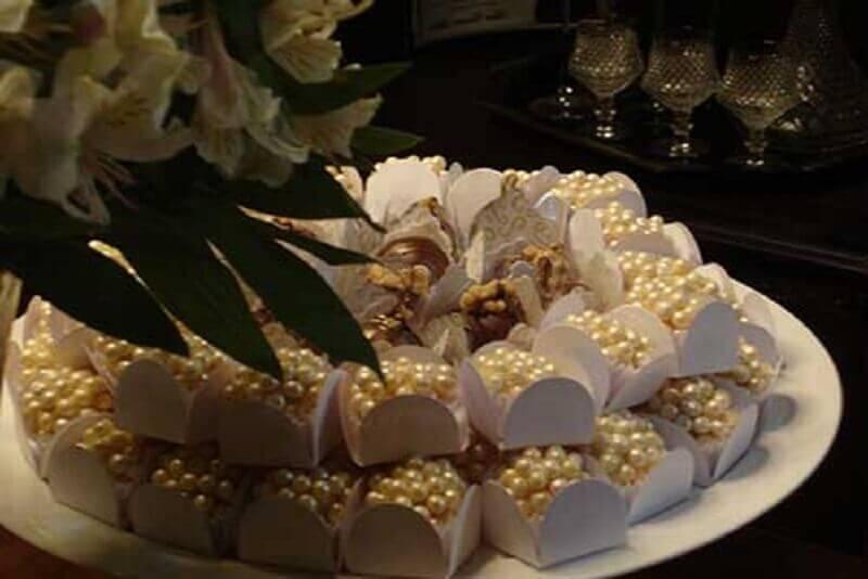 bodas de pérola com docinhos personalizados  Foto Enfim Noivei