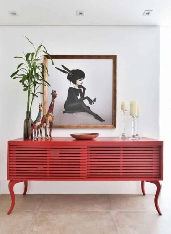 decoração com buffet vermelho Foto Alexandra Matos Design