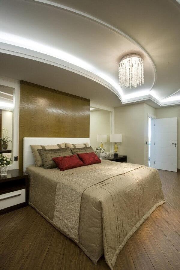 decoração com lustre de cristal para quarto de casal Foto Aquiles Nícolas Kílaris