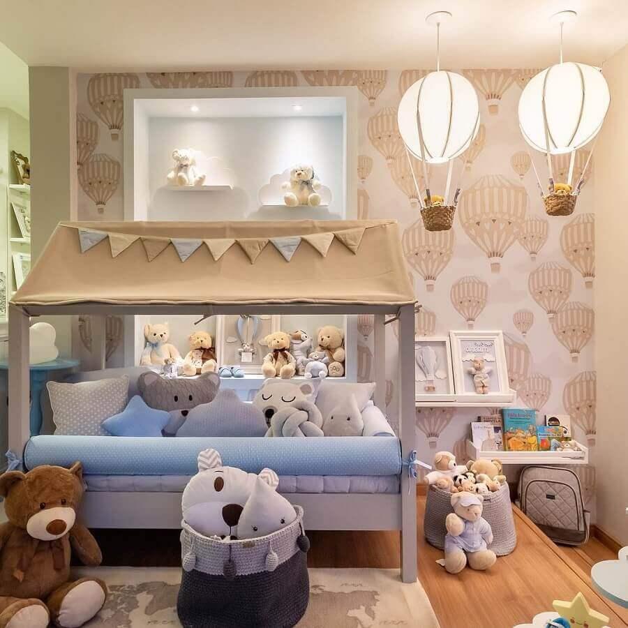 decoração com lustre para quarto de bebê em formato de balão Foto Pinterest