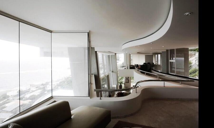 decoração moderna com mezanino Foto André Arquimagens