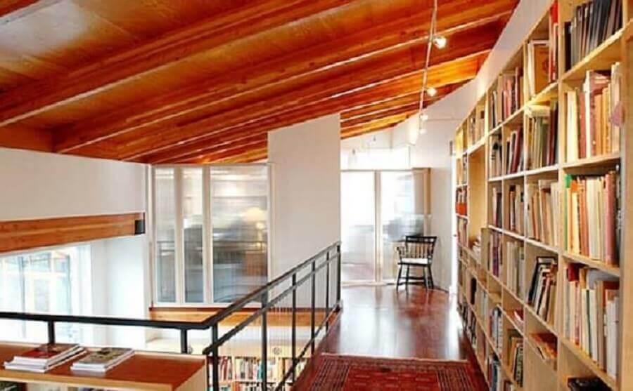 decoração para mezanino com biblioteca Foto Casa e Giardino