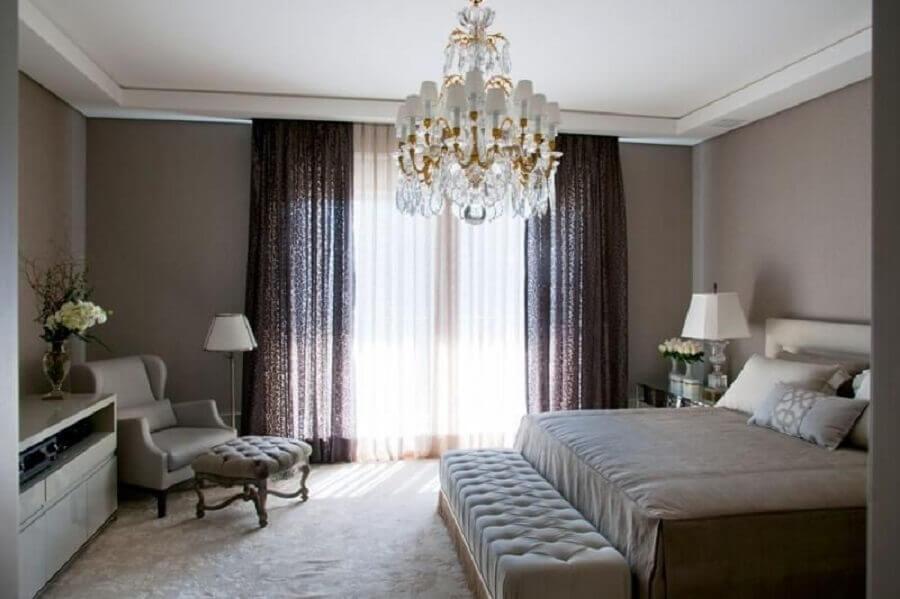 decoração para quarto de casal com lustre