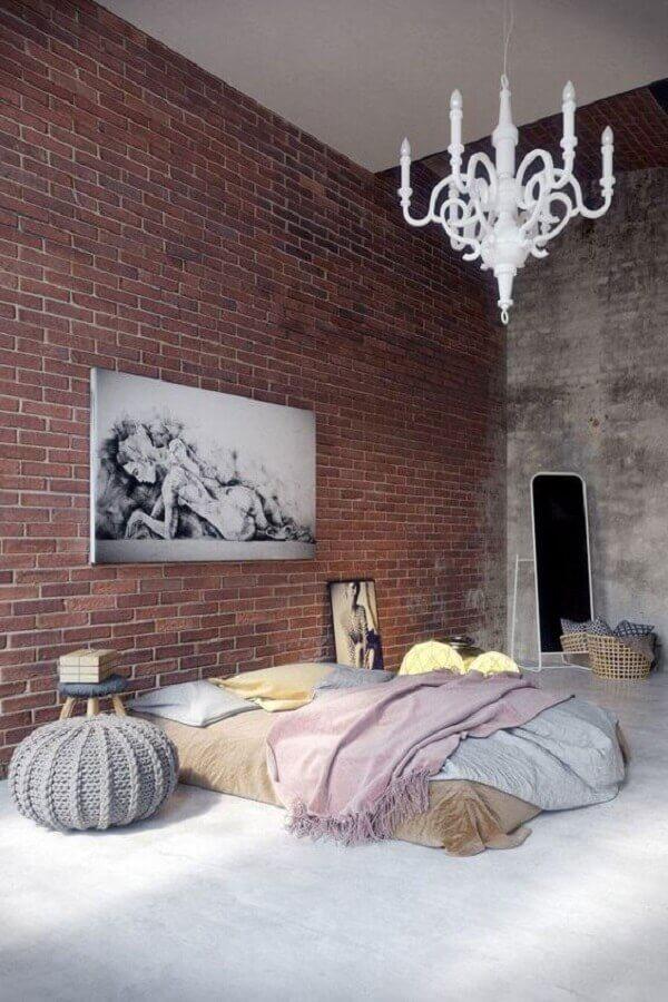 decoração rústica com lustre candelabro para quarto de casal Foto Design and fasion