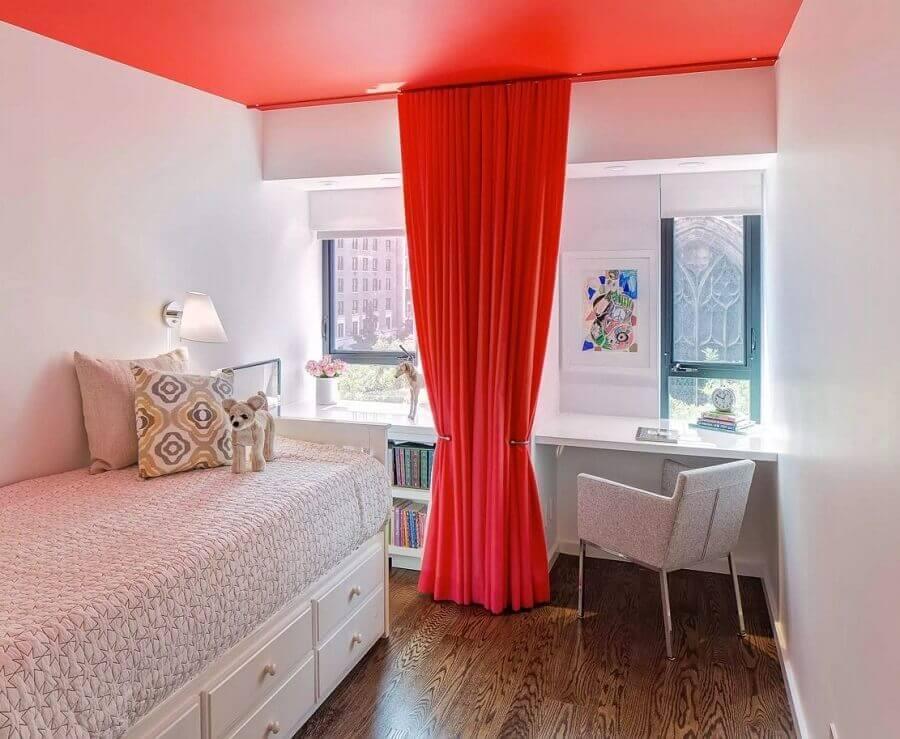 decoração simples para quarto vermelho e branco Foto My Interior Design