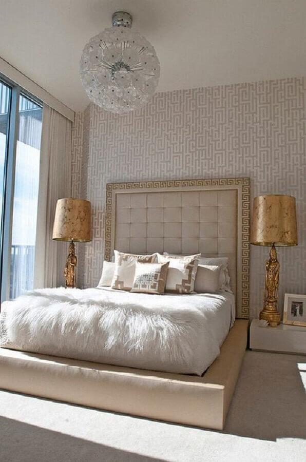 decoração sofisticada com modelo arrojado de lustre para quarto de casal Foto We Heart It