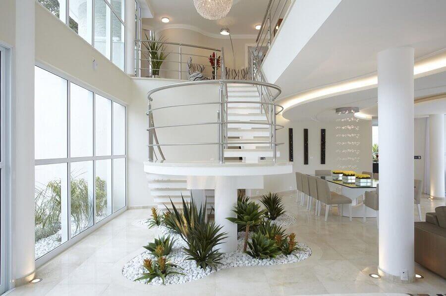 decoração sofisticada e clean para casa com mezanino Foto Aquiles Nicolas Kílaris