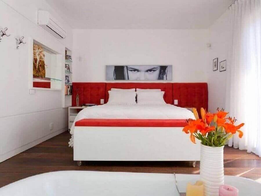 decoração vermelho e branco para quarto Foto Mantovani e Rita Arquitetura