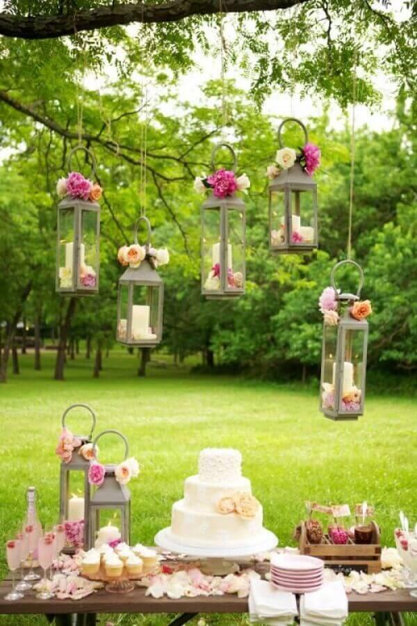 delicada decoração bodas de pérola festa ao ar livre Foto Papo Glamour