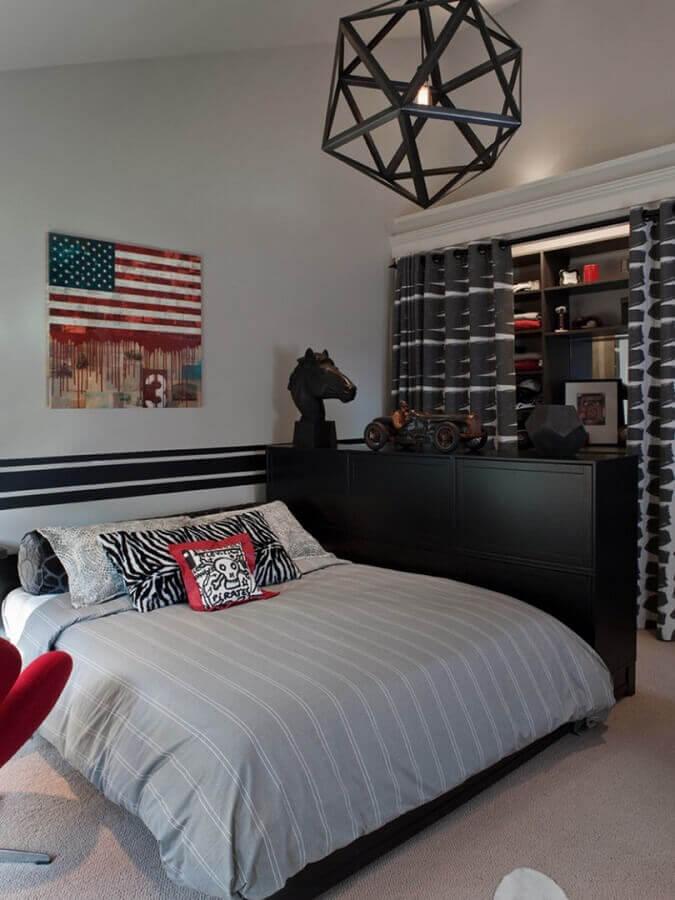 design arrojado de lustre para quarto masculino decorado Foto Doma.Life