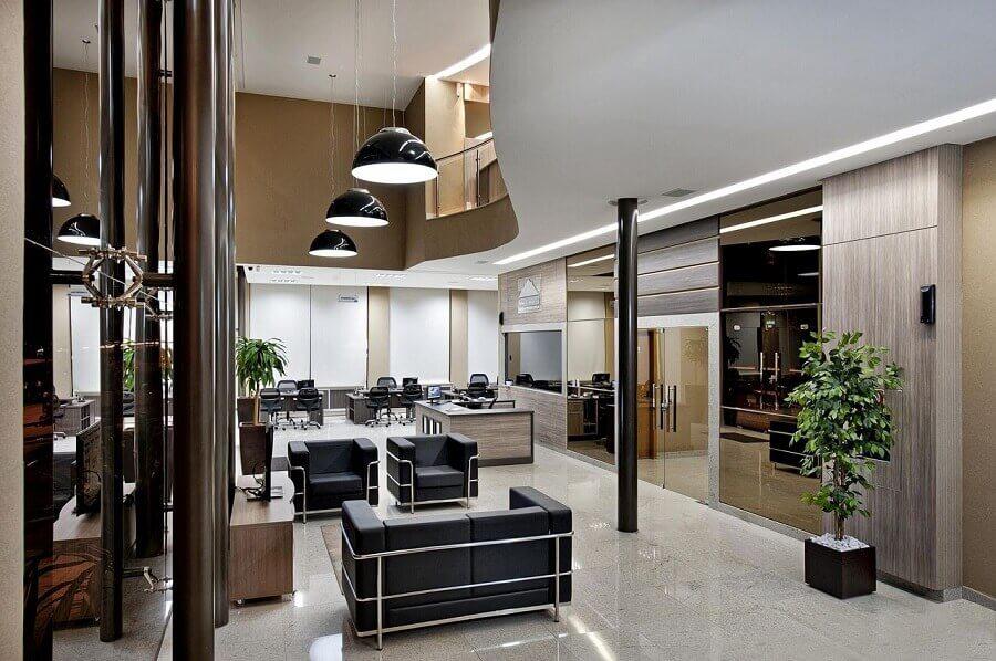 escritório moderno decorado com mezanino Foto ANA CINTHIA LOPES BARBOSA