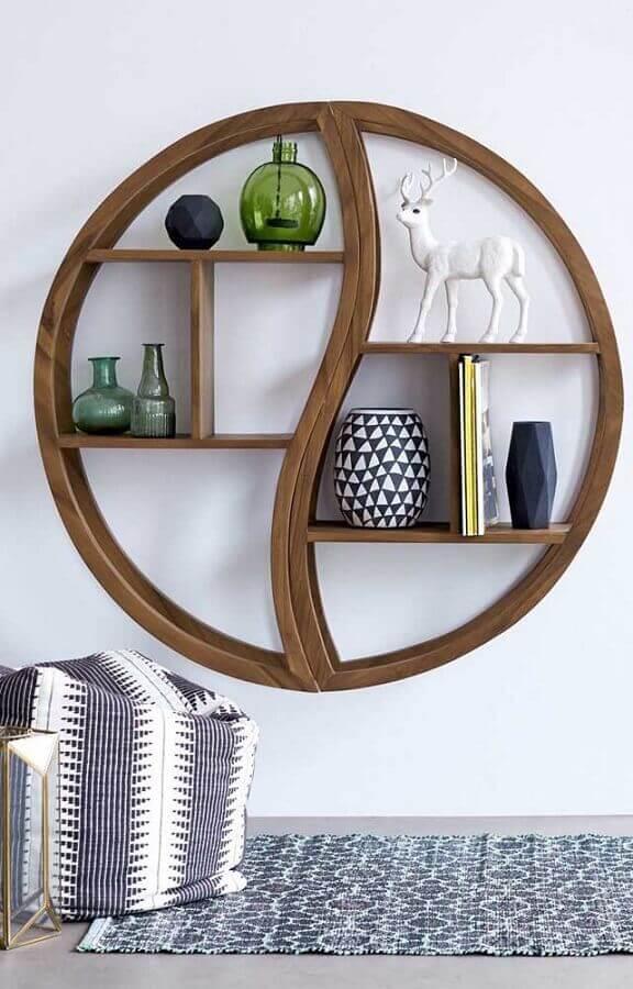 modelo diferente de nicho redondo de madeira Foto Mauricio Gebara Arquitetura