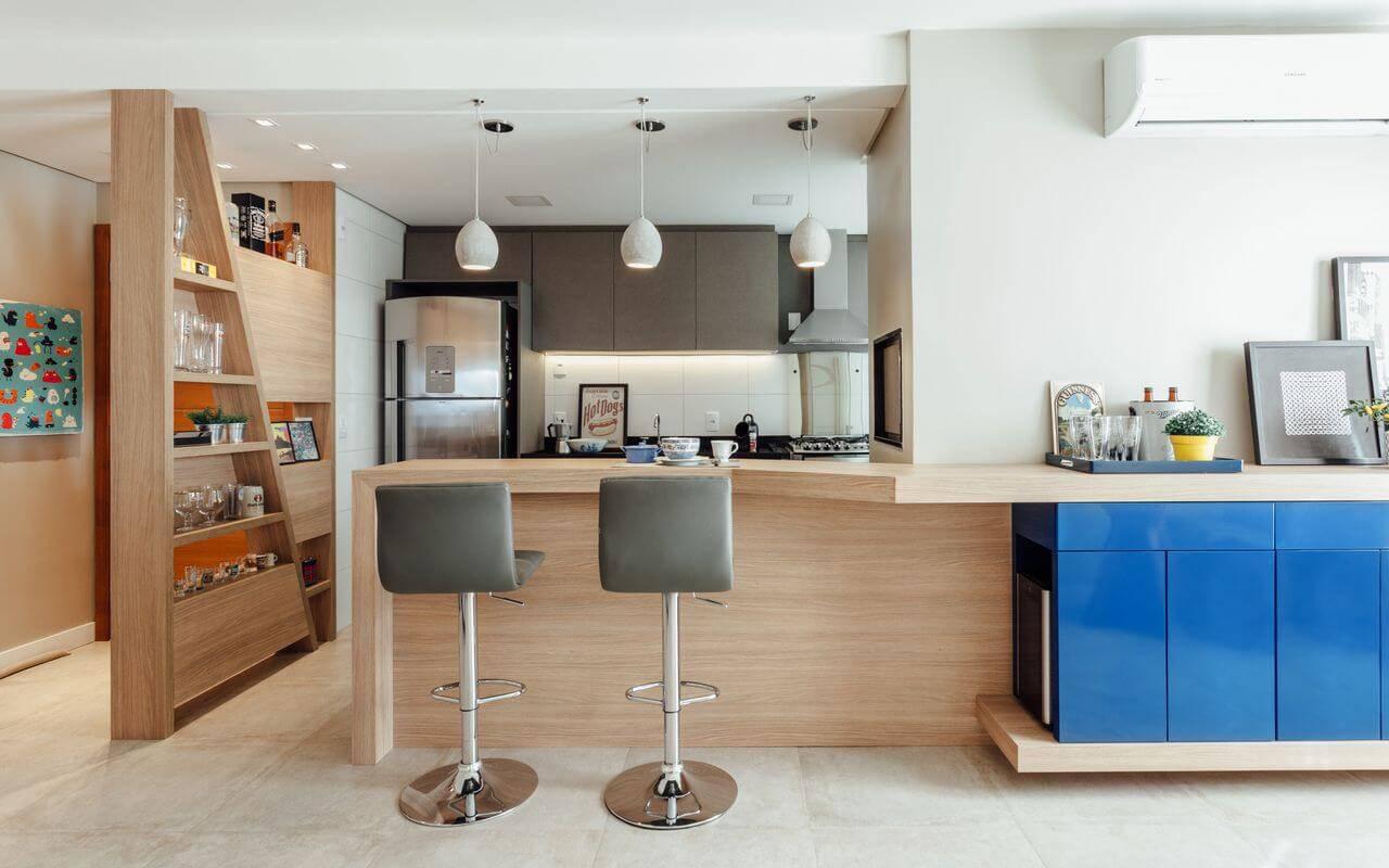 moveis planejados cozinha com estante assimetrica ambientta arquitetura 140568