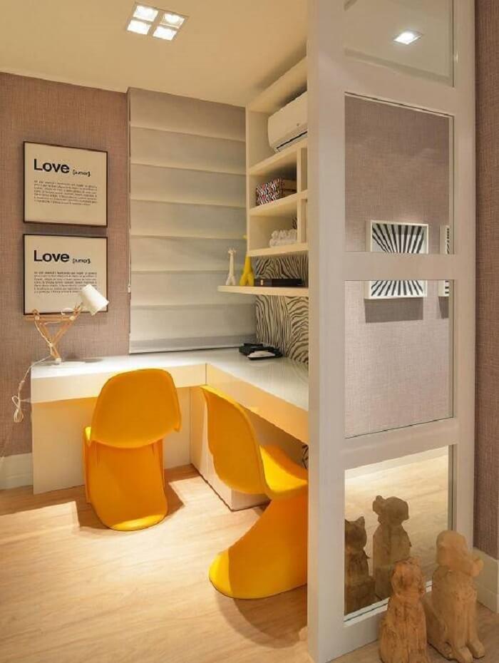 Invista em móveis planejados para ambientes pequenos