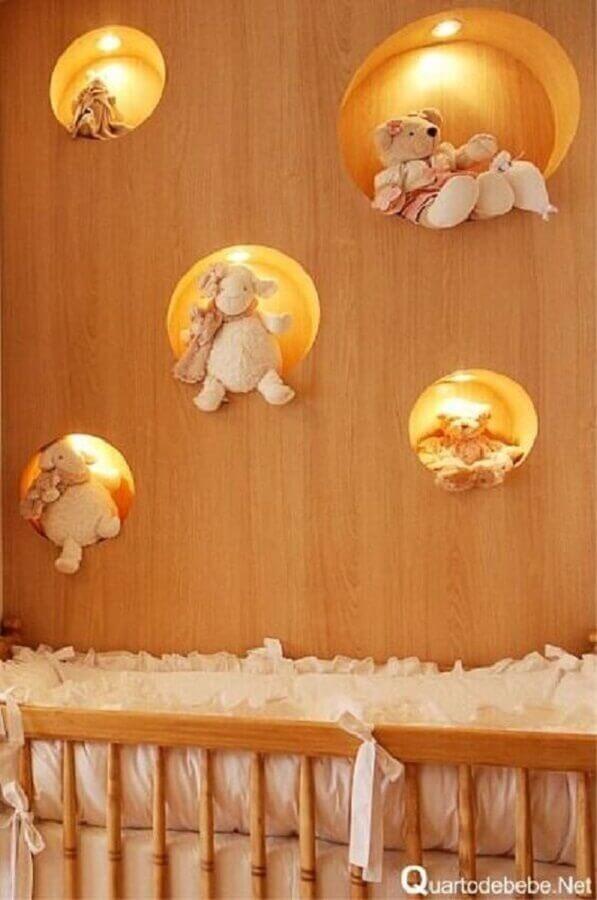 nicho redondo com led para quarto de bebê com bichinhos de pelúcia Foto Acervo Dicas e Tutoriais