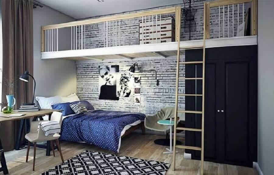 quarto decorado com mezanino de madeira Foto ConstruMax Alfa Telhados