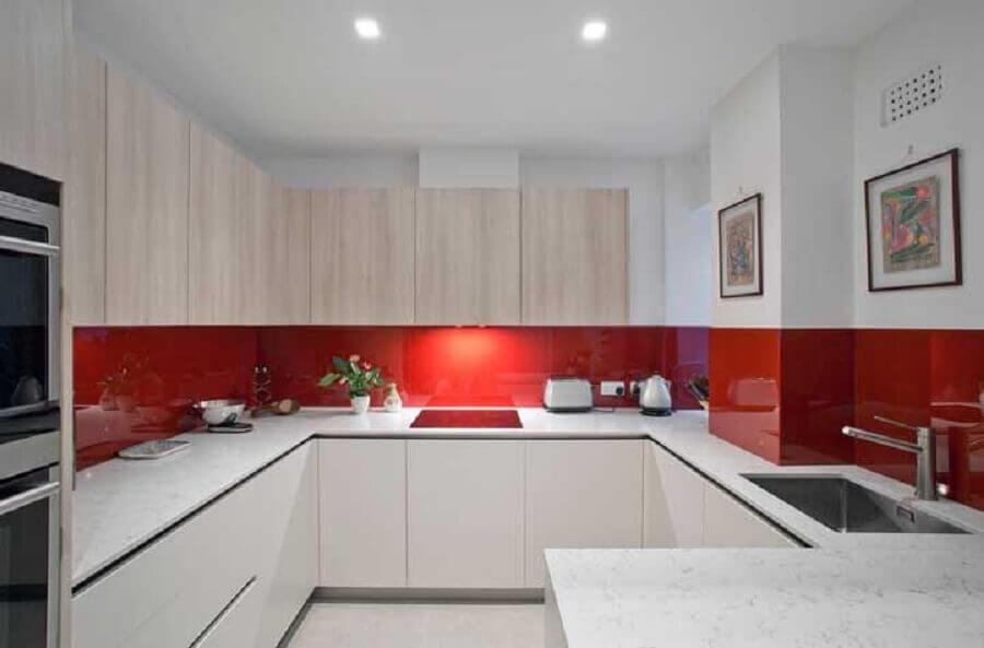 tons de vermelho para decoração de cozinha planejada Foto Roland Gori