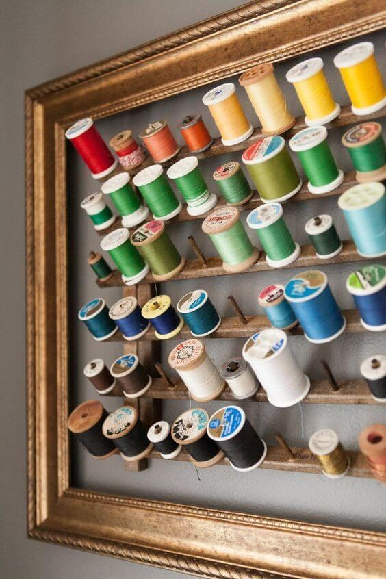 atelier de costura - painel de linhas com moldura
