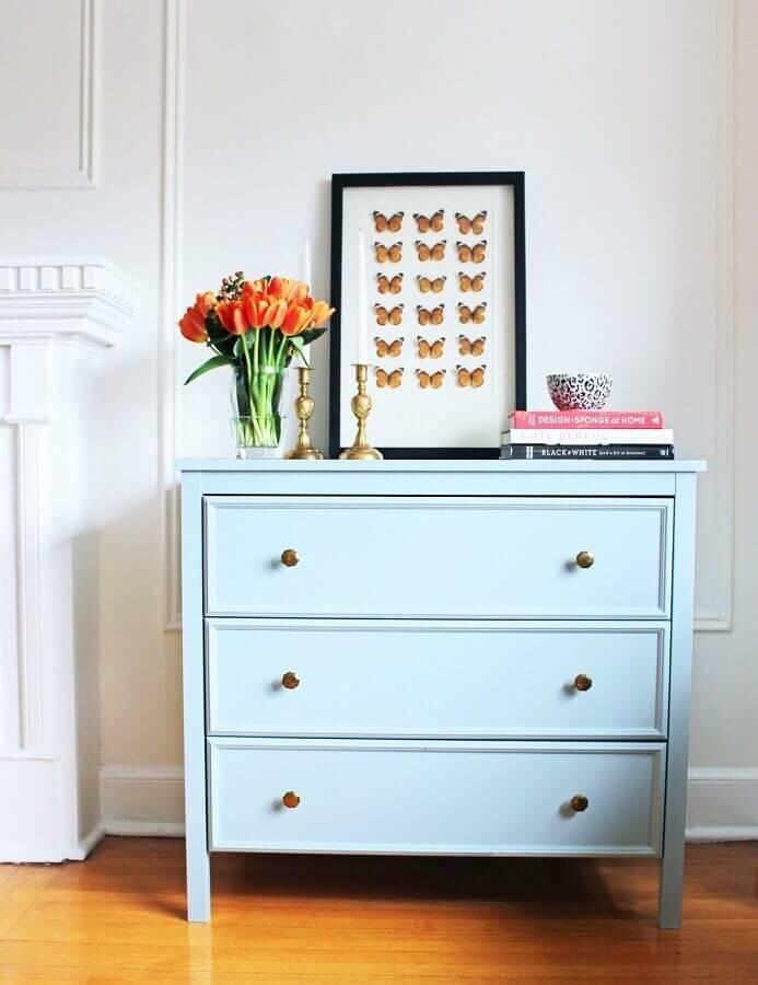 cômoda azul com puxador bronze Foto Pinterest