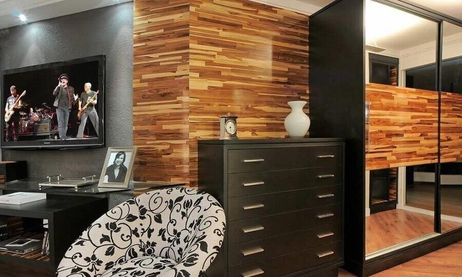 decoração moderna com cômoda preta Foto Juliana Lahoz