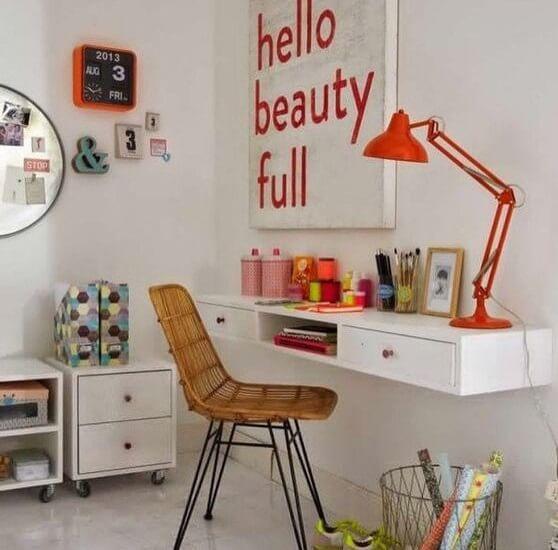 escrivaninha suspensa - escrivaninha afixada na parede