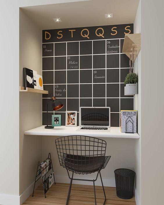 escrivaninha suspensa - escrivaninha em escritório com lousa