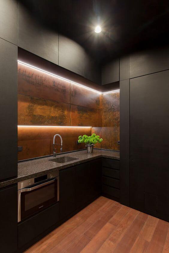 modelos de cozinha com armários escuros